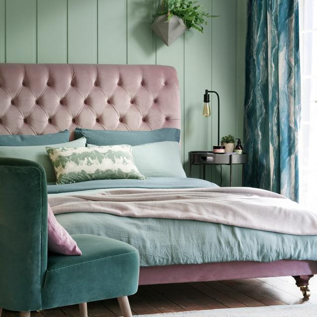 Thiết kế phòng ngủ với màu xanh ngọc