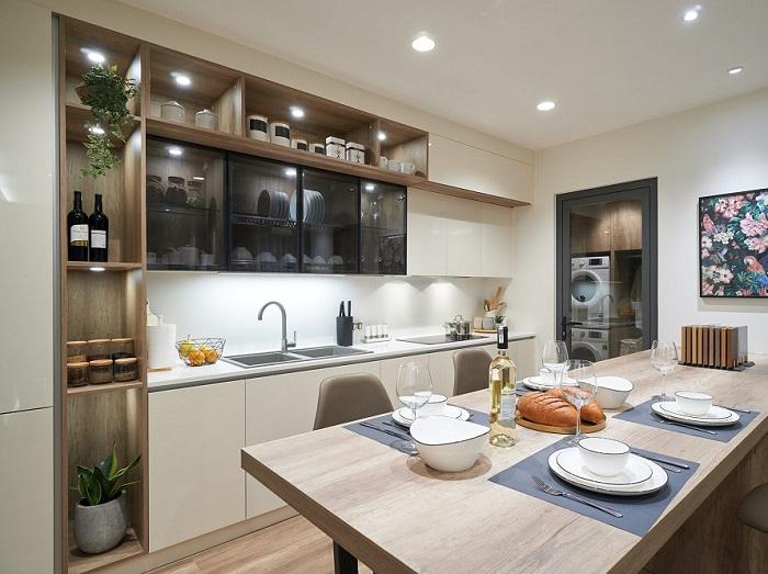 Trang trí nội thất nhà bếp đa sắc màu hiện đại