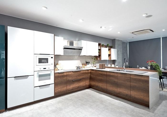 Không gian nhà bếp sang trọng với mẫu tủ bếp L