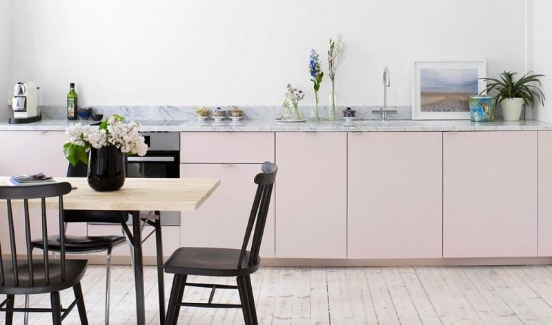 BST Tủ bếp màu hồng phấn đẹp 2020